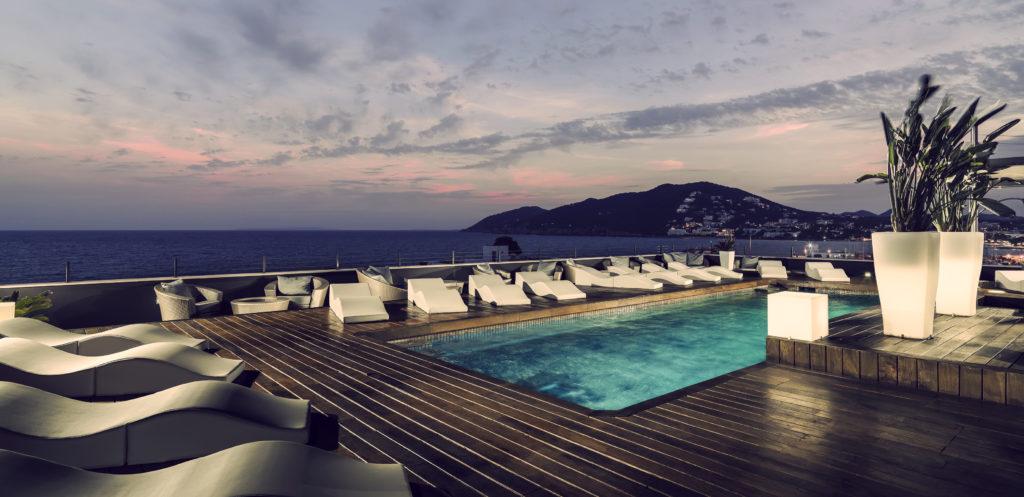 Santa Eulalia en Ibiza es una escapada Lester