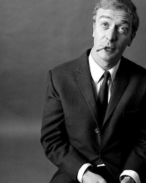 Michael Caine arquetipo de la elegancia britnica Caballero hecho ahellip