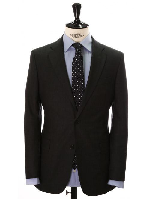 f5fa60c7a80ce Es relativamente fácil percibir si has acertado con la talla. El traje te  quedará como un guante.